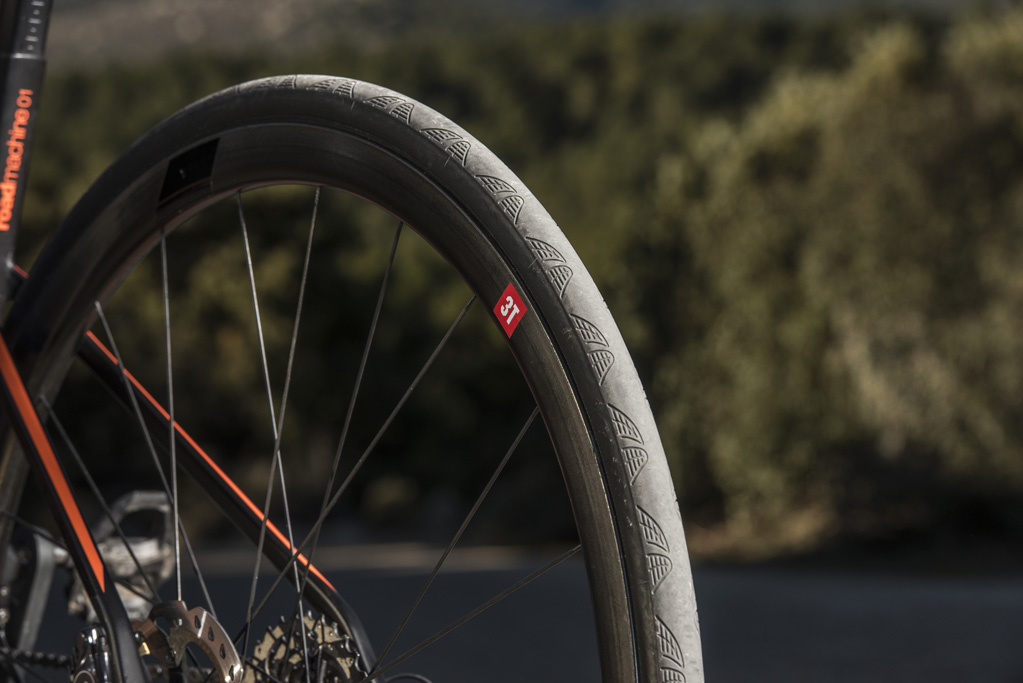 BMC Roadmachine 01 - Detalle de ruedas