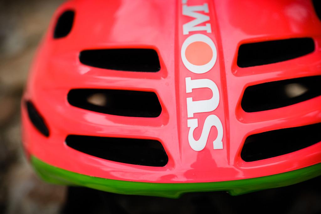 Casco de ciclismo Suomy Sfera